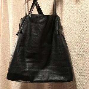 Bags - 👜EUC Black Satchel👜